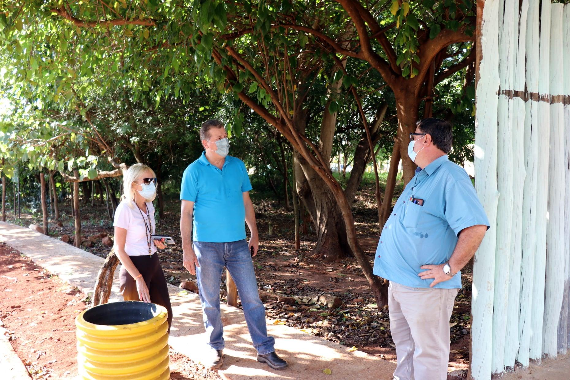 Daae: Obras de revitalização da nascente modelo do córrego Água Branca e implantação de praça sustentável